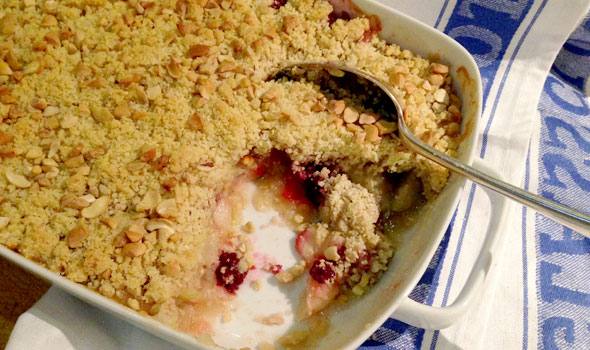 Apple & Bramble Crumble. Wholesome Seduction.